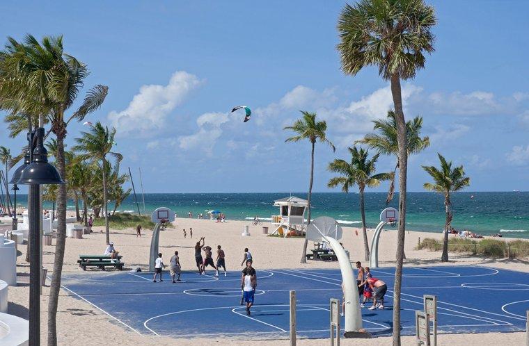 South Beach Park Basketball Court in Brighton, Ft Lauderdale Beach Florida
