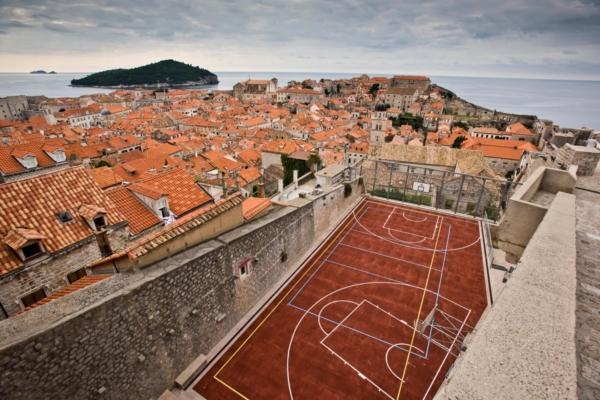 Must Hoop : The Rooftop Court in Dubrovnik, Croatia