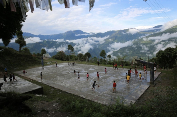 10 Jaw Dropping Basketball Courts in the Himalayas