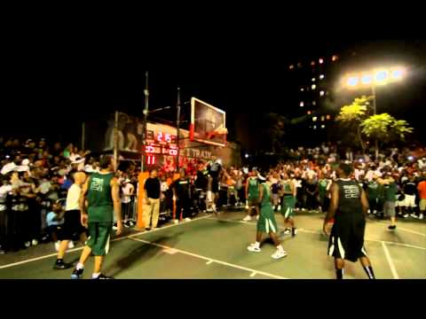 Kevin Durant Shakes Michael Beasley For A Tomahawk At Dyckman Park