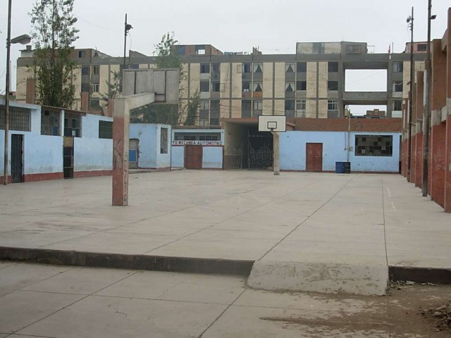 Basketball Court in Lima, Peru