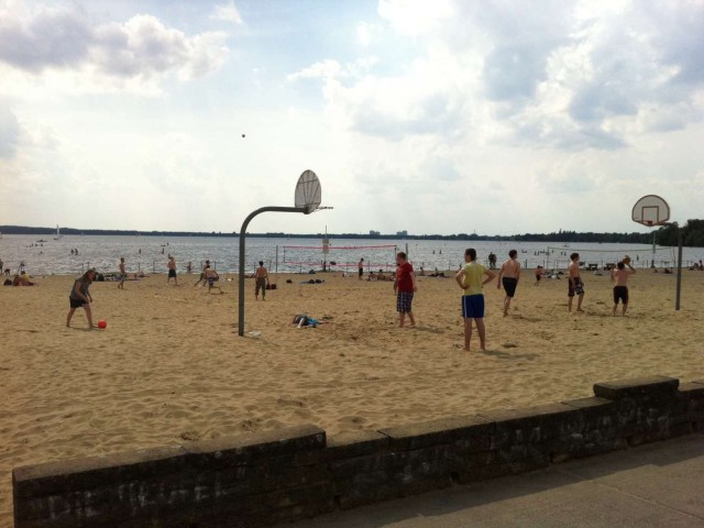 Beachbasketball in Berlin at Lake Müggelsee