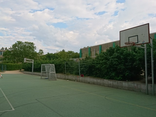 Basket of full court - South side