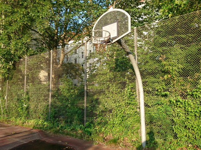 Basket of a small court - North East side