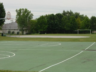 The two basketball courts in Brentwood Park