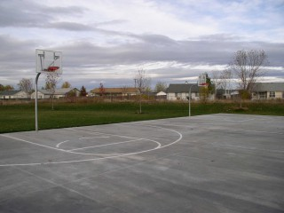 Basketball Courts in Chateau Park