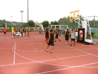 Another shot of the AGGIK streetball tournament.