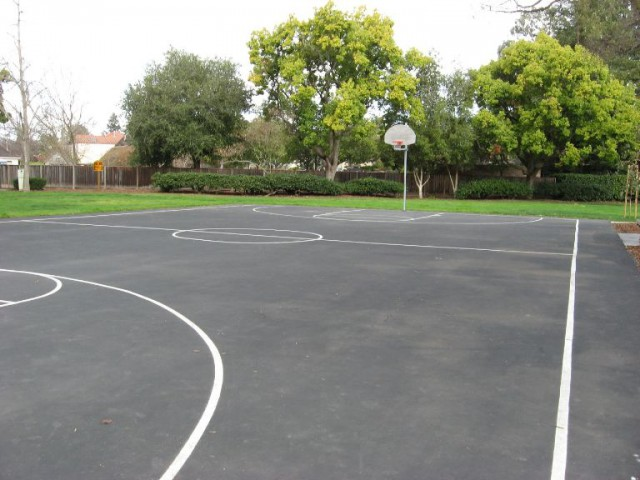 Peers Park Basketball Court in Palo Alto