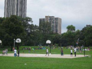 The baketball court at Lincoln Park.